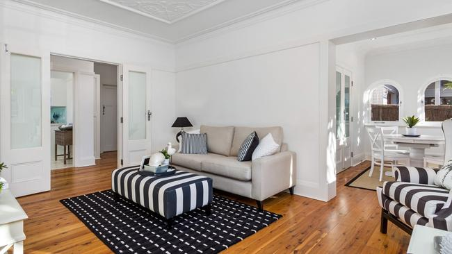 A two-bedroom apartment at 2/1 Esther Rd, Mosman sold under the hammer for $1.486 million. NSW real estate.