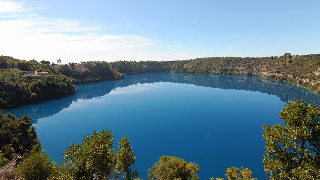 "Geoscience Australia says it's ""unlikely"" Mount Gambier's dormant volcano, the Blue Lake, will come to life."