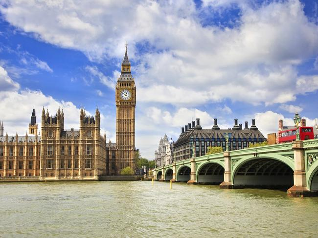 The UK is the top European destination for just-graduated travellers.
