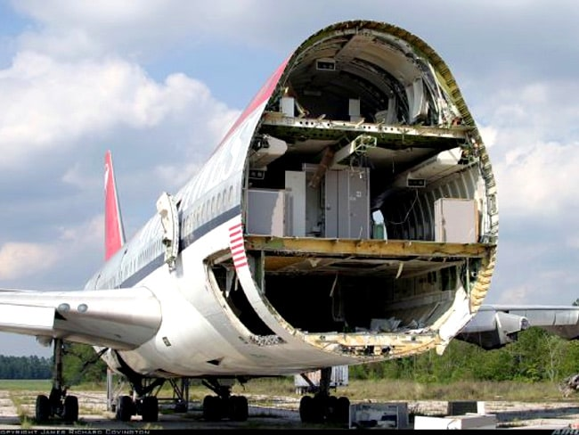"The house was built from this old 747 jet. Picture:  <a href=""http://www.studioea.com/"">Studio of Environmental Archictecture</a>"
