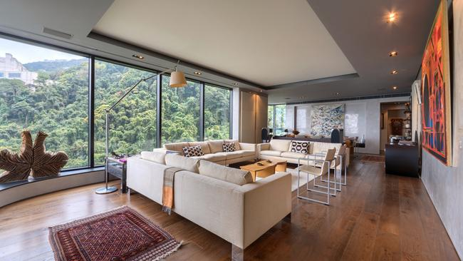 Pokfulam jardines lookout midlevels east hong kong for Dream homes international