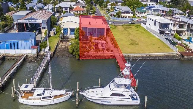 This property at 69 Byron St, Bulimba, is for sale. Picture: realestate.com.au.