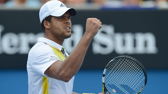 Jo-Wilfried Tsonga struggled in the heat but still beat Go Soeda in three sets.