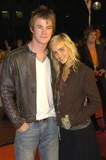 <p>Stars attend the orange carpet arrival for the 2005 Nickelodeon Kids Choice Awards at the Entertainment Center. 20/9/05. Chris Hemsworth and Isabel Lucas</p>