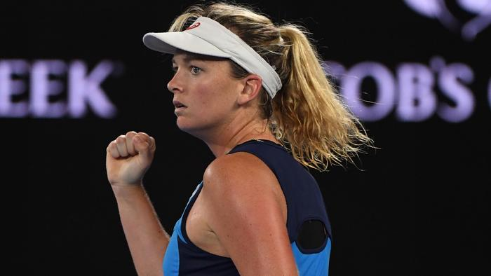 Coco Vandeweghe of the US reacts after a point against Germany's Angelique Kerber during their women's singles fourth round match on day seven of the Australian Open tennis tournament in Melbourne on January 22, 2017. / AFP PHOTO / SAEED KHAN / IMAGE RESTRICTED TO EDITORIAL USE - STRICTLY NO COMMERCIAL USE