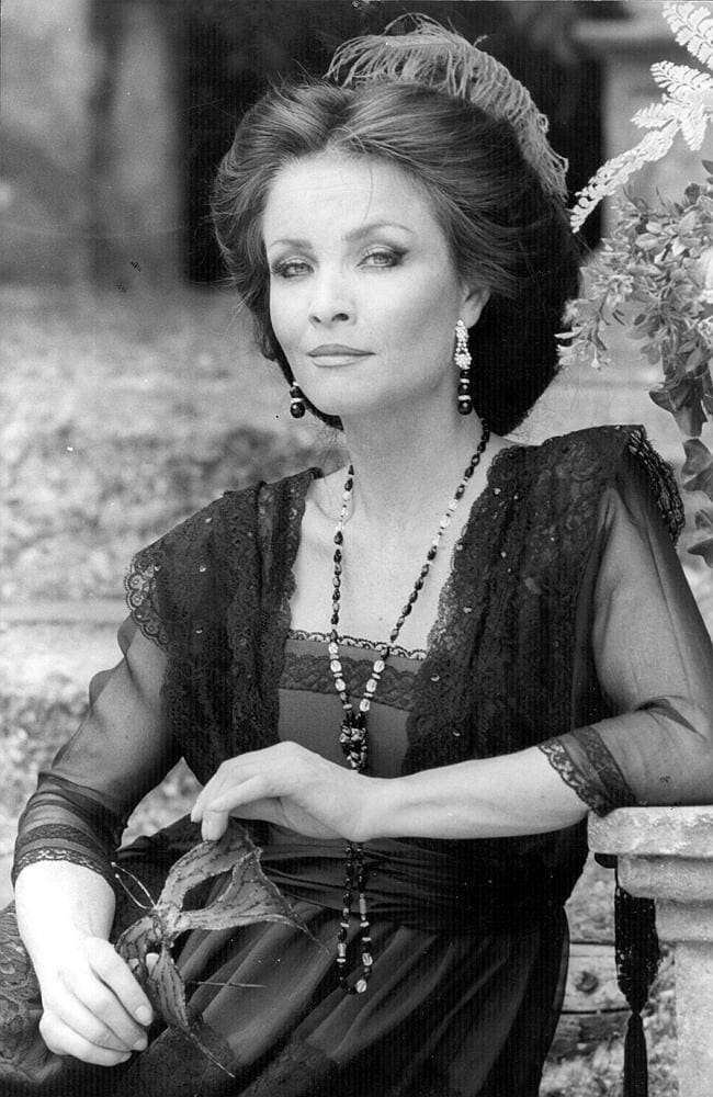 Dynasty actress dies aged 74