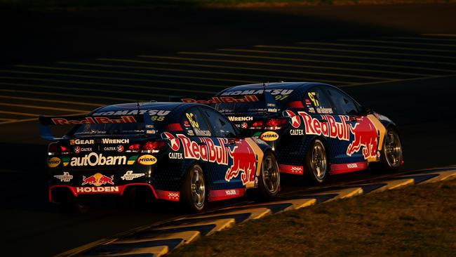 Shane Van Gisbergen leads teammate Jamie Whincup in a tight race at the 2016 Red Rooster Sydney Supersprint. Picture: Tim Hunter.