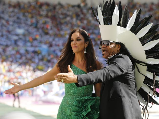Brazilian singers Ivete Sangalo, left, and Carlinhos Brown, right.