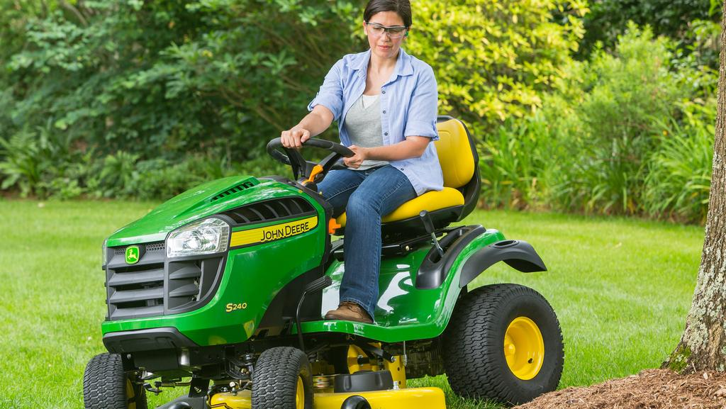 S240 Is John Deere S Sporty New Residential Ride On Adds A
