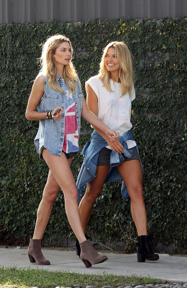 Jessica and Ashley Hart on a photoshoot together. Picture: Splash News