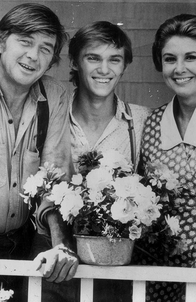 (from left) Ralph Waite with fellow actors Richard Thomas & Michael Learned from TV's T...