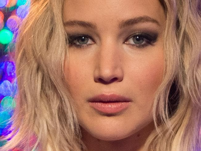 JLaw apologises for Hawaii story