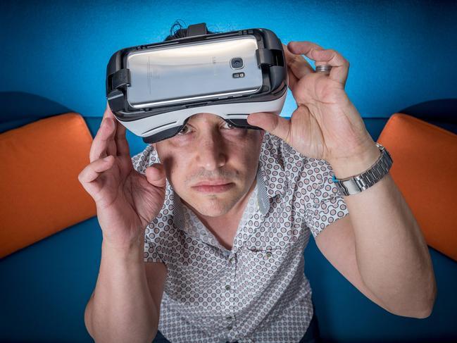 Vision warning on virtual reality