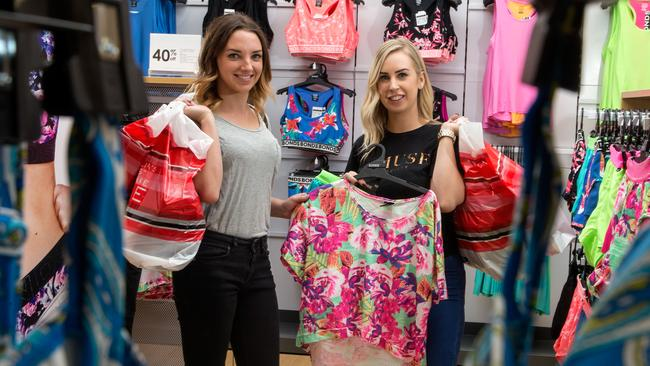 Boxing Day sales Melbourne: shoppers burst through shop ...