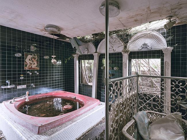 Thissen loves exploring abandoned buildings in Japan as they are normally the best preserved. (Picture: Bob Thissen/Caters)