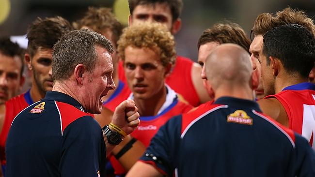Brendan McCartney lays down the law to his Bulldogs players during the three-quarter time break. Picture: Getty Images
