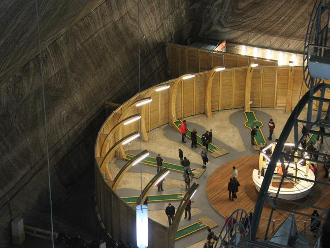 This must be the world's only underground minigolf. Picture: bortescristian.