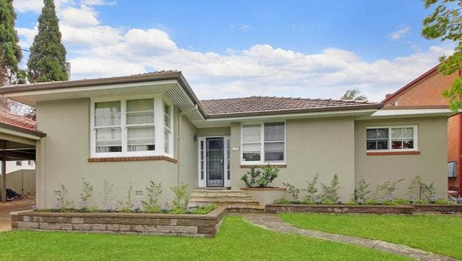 12 Richmond St, Denistone East sold for $200,000 above reserve.