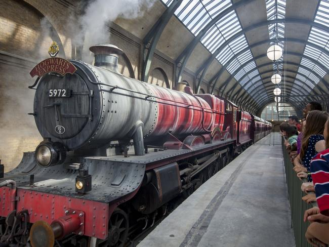 Take a ride on the Hogwarts Express at Diagon Alley.