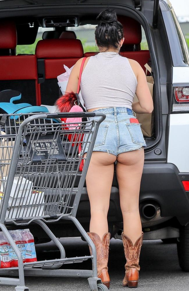 Ariel Winter Wears Very Short Shorts To Go Shopping