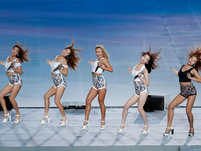 Sistar came under scrutiny when supporters became upset at the lack of airtime given to one particular member.