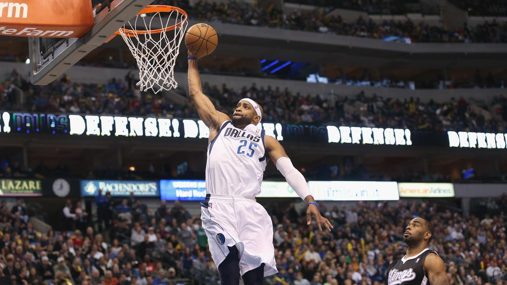 Vince Carter in another dunk contest? Why not!