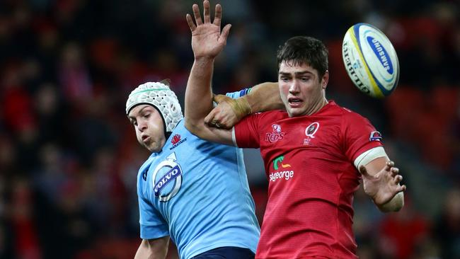 The Waratahs lineout was shown up by Rob Simmons and the Reds.