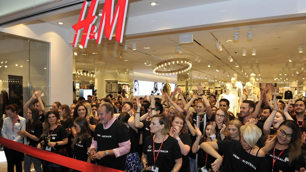 H&M Careers. The clothing retailer brand accepts entry level and working student applicants. Employee tasks vary depending on the position and they get to enjoy a fashionable environment. Sales Advisor: They deal with customers by ensuring they have good shopping experience. They also provide suggestions for clothes to garment options.