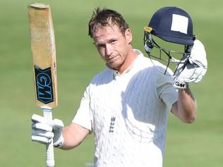 WORCESTER, ENGLAND - JULY 01: Tom Westley of England Lions raises his bat after scoring a hundred during the tour match between England Lions and South Africa A at New Road on July 1, 2017 in Worcester, England. (Photo by Nathan Stirk/Getty Images)