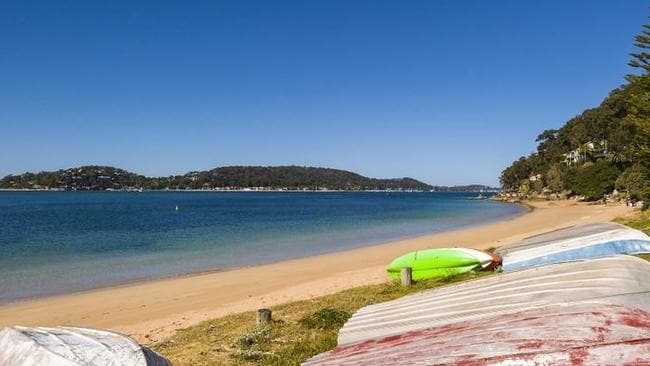 Great Mackerel Beach is a water-access only community on the foreshores of Pittwater.