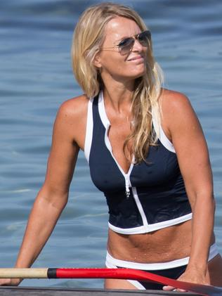 Simone looks tanned and toned. Picture: Splash News Australia