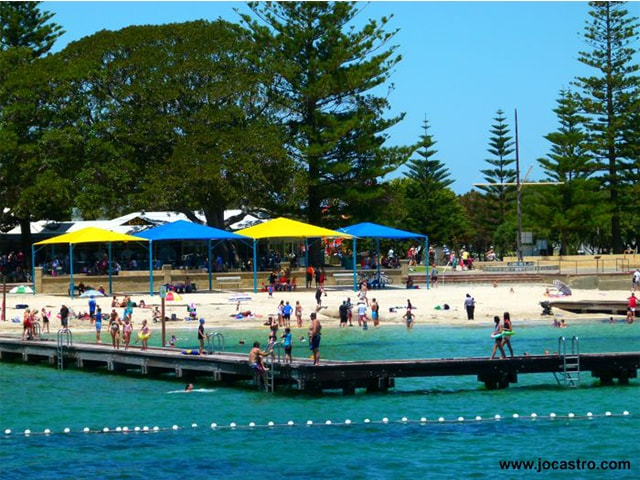 Jo-Castro-11_Theres-a-great-play-and-swimming-area-for-kids-on-Busselton-foreshore.png