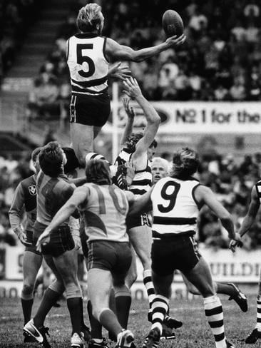 Gary Ablett takes an amazing mark against West Coast in 1988 at Kardinia Park.
