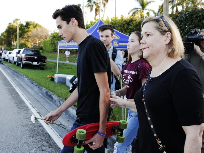 Florida school shooting: USA investment giant pressures gun firms
