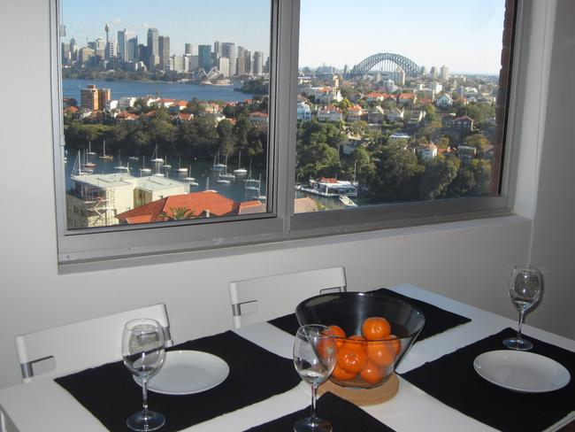 This fully furnished one-bedroom Mosman apartment, currently listed on Stayz, offers the perfect setting to enjoy Vivid with guests at home.