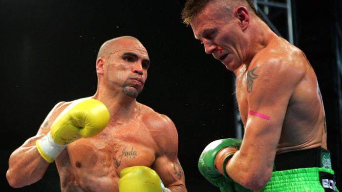 Boxing - boxer Danny Green with Anthony Mundine during fight at Aussie Stadium in Sydney 17 May 2006. a/ct