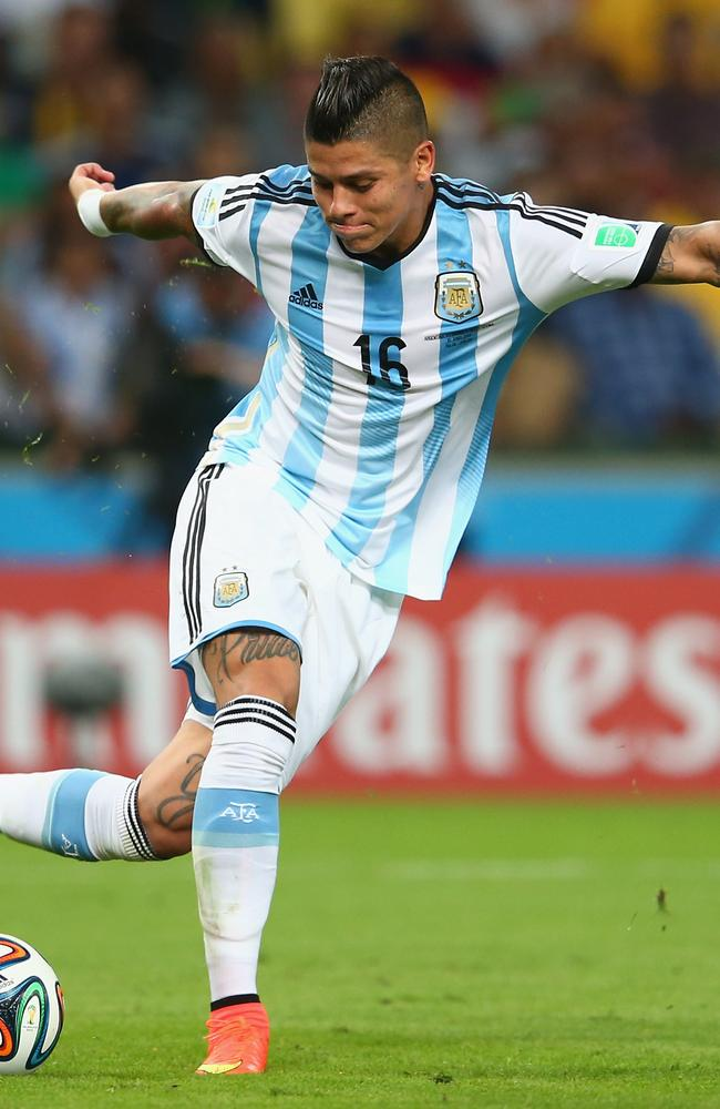 Marcos Rojo shows off some sort of crazy dance move at the World Cup.