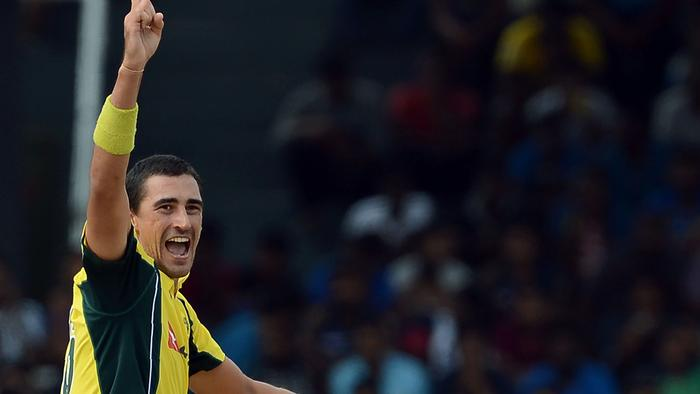 Australia's Mitchell Starc shouts as he makes an unsuccessful appeal during the second one-day International (ODI) cricket match between Sri Lanka and Australia at The R Premadasa International Cricket Stadium in Colombo on August 24, 2016. / AFP PHOTO / LAKRUWAN WANNIARACHCHI