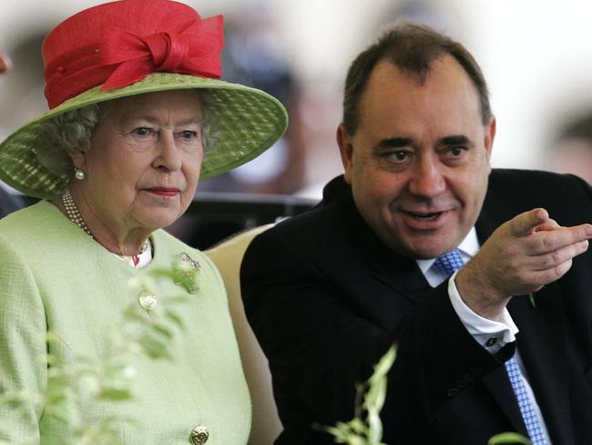 'Respect and support' ... Queen Elizabeth II sits with Scotland's First Minister Alex Salmond during the ceremonial opening of the Scottish Parliament in Edinburgh. Pic: AP Photo/Andrew Milligan