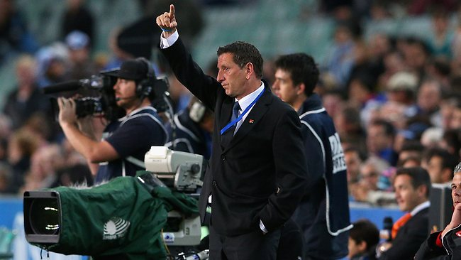 Sydney FC coach Ian Crook signals to players during the round six A-League match between Sydney FC and the Melbourne Victory at Allianz Stadium. Picture: Getty Images