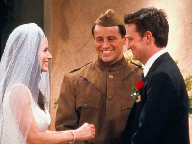 Chandler and Joey would have switched places here if the original plan had gone ahead.