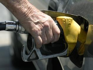 generic fuel price pics January 17 2007.- generic fuel price pics (Timothy Clapin)