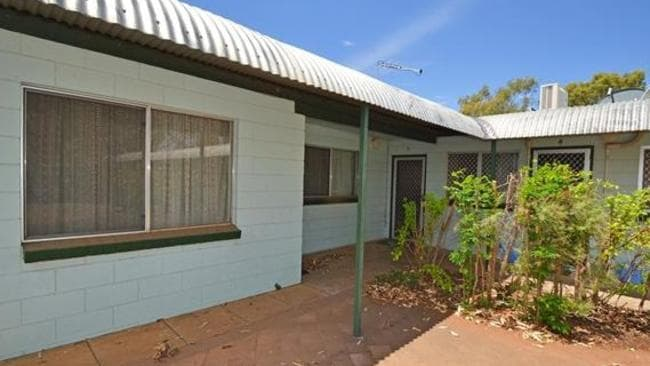 This asking price for this unit at The Gap in the Northern Territory has been reduced to $159,000. Picture: realestate.com.au