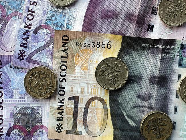 The English oppose Scotland continuing to use the pound if it votes to become independent in a September referendum, a survey showed on August 20. Pic: AFP.