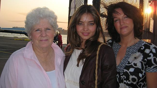 Miranda Kerr, with nan Anne and mum Therese, says the ABC took advantage of her family's naivety.