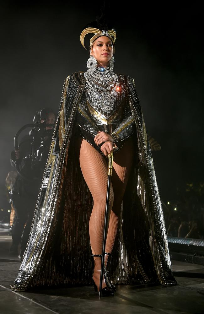 Her opening goddess-inspired look. Picture: Getty Images