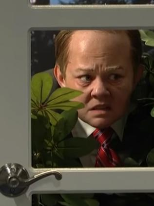 Melissa McCarthy hiding in the bushes as White House press secretary Sean Spicer. Picture: NBC