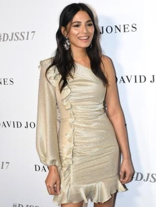 Model Jessica Gomes hits the red carpet. Photo: AAP/Paul Miller