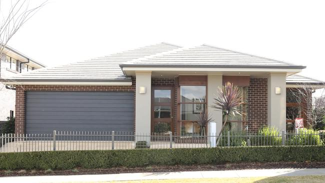 Display home hawthorne design by eden brae perth now for Eden brae home designs