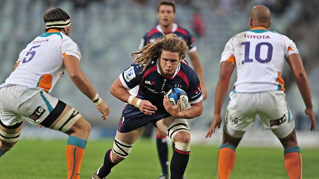 SUPER RUGBY, round 7. Cheetahs 34 d Rebels 16 in Bloemfontein. Jordy Reid of the Rebels heads for a gap. Picture: Loren Battersby